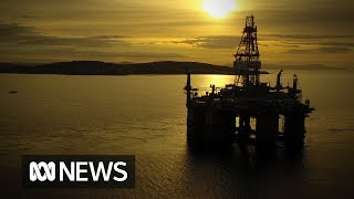 A birds eye view of the Ocean Monarch drilling platform being towed up the Derwent River |  ABC News