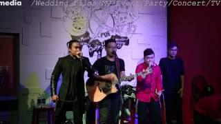 F-Band - Mash Up Chim trắng mồ côi & Anh không đòi quà Full HD - (Live)
