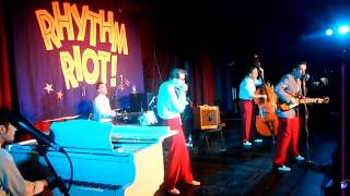 RHYTHM RIOT 2011 - Sonny and his Wild Cows - Leave You Baby