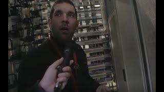 Suivez un technicien Free dans un NRA et découvrez où sont connectées les lignes au réseau Free
