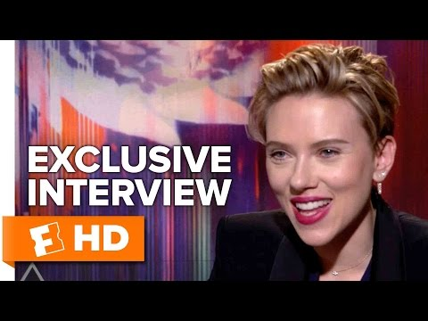Scarlett Johansson and Juliette Binoche Exclusive 'Ghost in the Shell' Interview (2017)