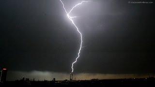 Schweres Unwetter - Sturm über Düsseldorf Pfingstmontag 2014 h264 - Heavy Thunderstorm