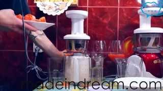 сравнение шнековых соковыжималок hurom, coway, kuvings, cooksense(Купить по лучшей цене, с бесплатной доставкой можно тут: http://madeindream.com/juicers/verticaljuicers/cjp-01.html http://madeindream.com/juicers/vert..., 2012-06-25T17:44:27.000Z)