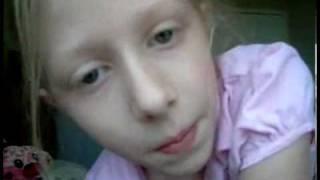 видео На немецкого ребенка упал шкаф - выжил и прыгнул с батута на машину