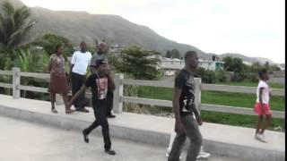 CAP-HAITIEN HAITI : LE NOUVEAU PONT DE BLUE HILLS (Cite Blue hills)