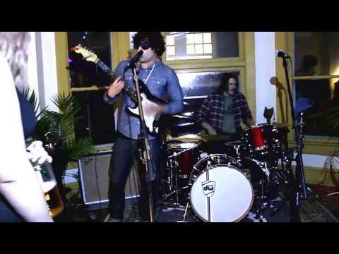 The Crashlanders Live at 96e Columbus Ohio DIY Venue 03.10.17