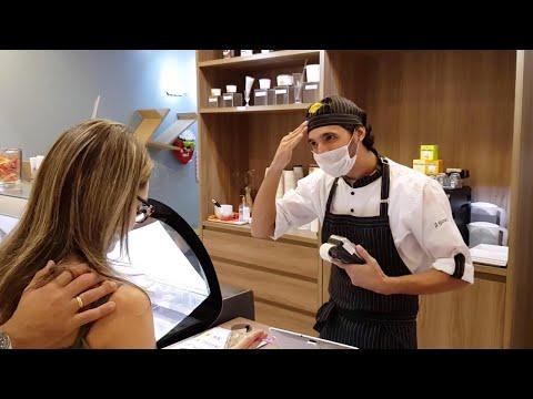 Ice Cream Parlour Employs Deaf People