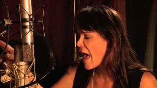 "Beth Hart - ""Trouble"" - Session Highlight album Better Than Home"