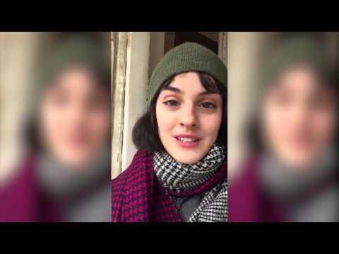 Les Têtes à Clap   Selfie Noémie Merlant