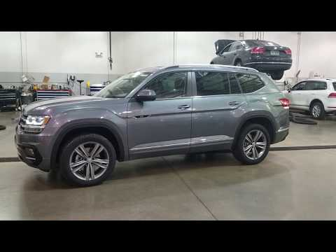 2019 VW Atlas 3.6 SE w/Technology R-Line 4Motion and captain's chairs