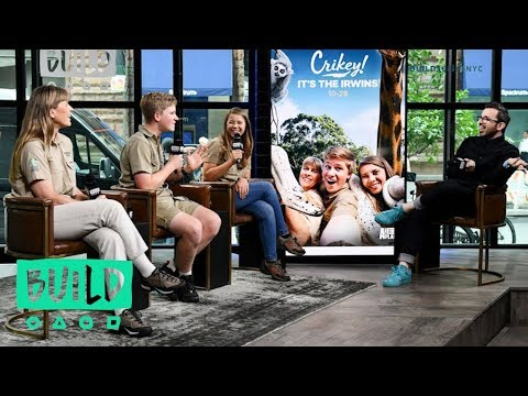 Terri, Robert & Bindi Irwin Talk Animal Planet's