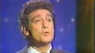 Placido Domingo sings Besame mucho