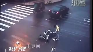 ангел спасает велосипедиста видео