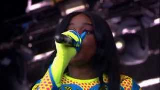 Azealia Banks - 212 (Live @ at T in The Park 2013)