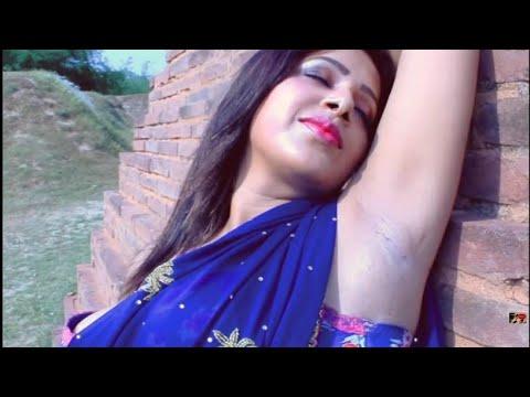 Desi Bhabhi Ji Showing Her Thick Shaven Lickable Armpits And Deep Navel   TezzabTV