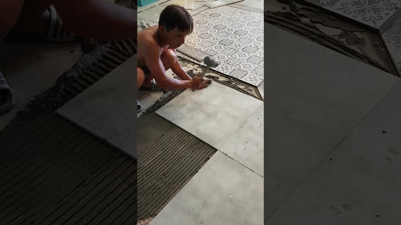 Kỹ thuật dán gạch men trên nền cũ.