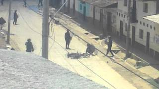 Moto Lineal Destrozada por Policias