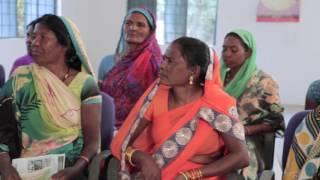 महिला समूह द्वारा मुगी पालन ,रोजगार गारंटी योजना के सहयोग  से