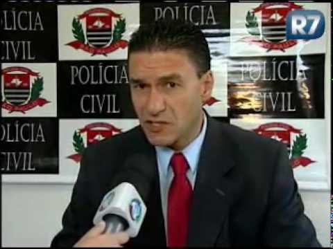 Câmeras flagram homem roubando chocolate em Franca (SP)