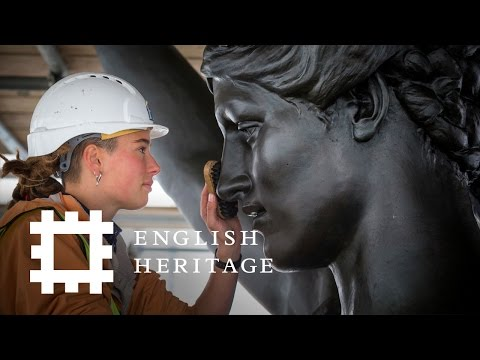 Cleaning the Quadriga on London's Wellington Arch