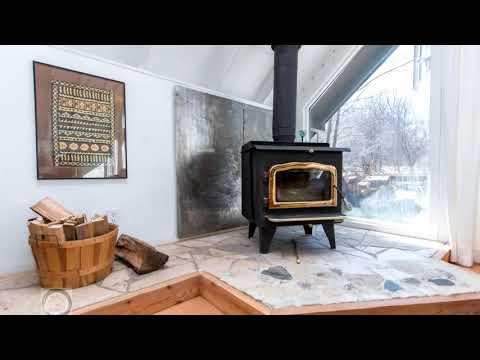 178 Sleepy Hollow Road, Town of Blue Mountains, Ontario L9Y 0S8