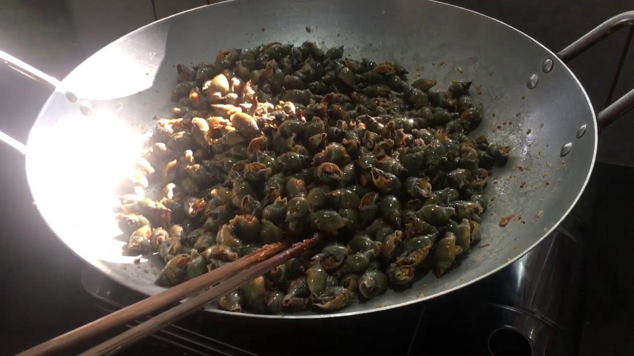 Ốc cà na xào muối ớt rất tươi và ngọt thịt