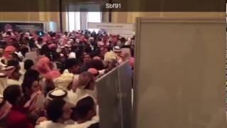 – بالفيديو.. فوضى فى ملتقى يوم التوظيف بالدمام  بسبب زيادة أعداد طالبي العمل