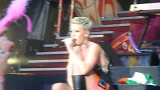 pink - sober live in thomond park 2010 funhouse summer tour
