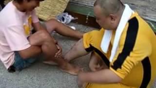 iS OLLiES 店長はらっちゃんvs足相撲世界王者 thumbnail