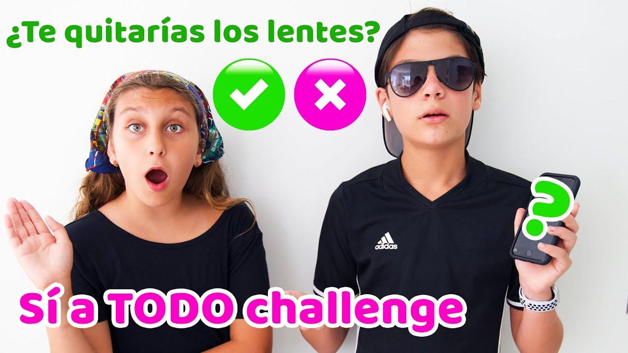 Jason dice SÍ A TODO challenge - ¿Se quita los lentes?