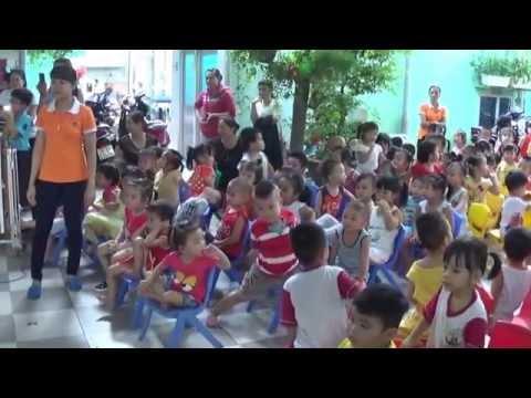 Truong mam non Sen Hong - Vui hoi trang ram 2015
