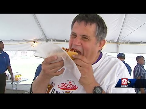 You-could-get-paid-to-rate-hot-dogs-at-baseball-stadiums