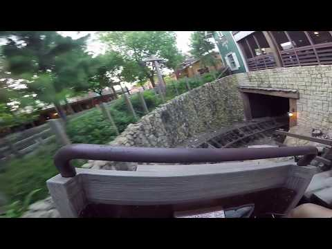 Big Grizzly Mountain Runaway Mine Cars Front Seat POV (Hong Kong Disneyland)