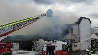 Hoher Schaden nach Brand in Mehrfamilienhaus