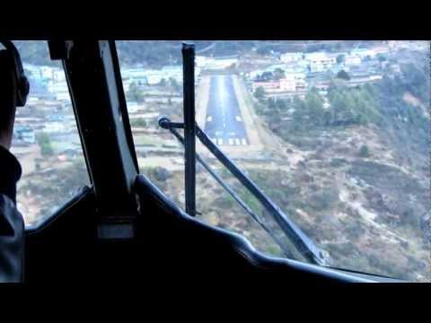 Landing in Lukla - Tenzing Hillary Airport Nepal. Landung auf den gefährlichsten Flughafen der Welt