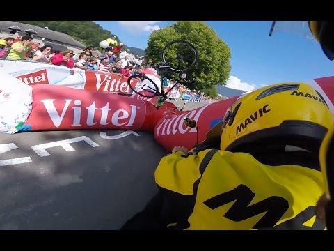 Tour De France 2016 - 1km Banner Crashes Into Adam Yates