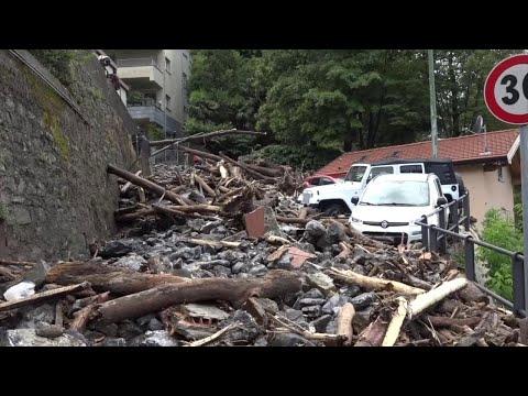 Maltempo, lago di Como: frana a Blevio, detriti e fango su strade e automobili