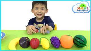Learn colors with cutting fruits - Xavi ABCKids