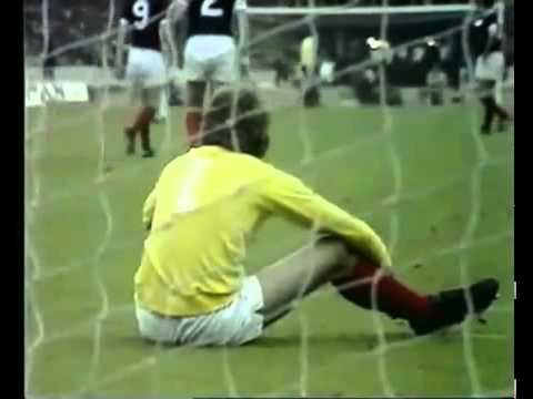 Football History : England V Scotland In 1975