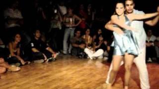 gabriel alvarez y micaela alvarez en maestros de la salsa 2011.MPG