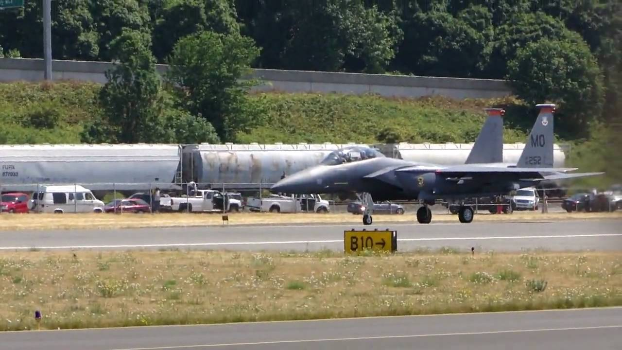 Crazy Black Fighter Jets Taking Off - Boeing Field - 07.31 ...