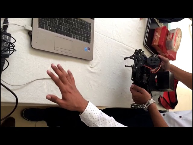 Hand Gestures Controlled Hand gripper Robot | Robotic Arm Robot with leap motion