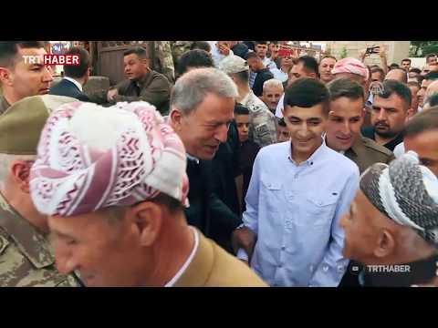 Milli Savunma Bakanı Hulusi Akar, Hakkari Derecik'te vatandaşlarla bayramlaştı