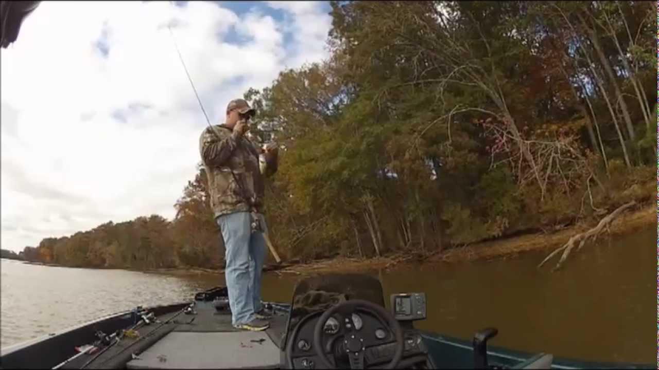 Wheeler lake bass fishing youtube for Wheeler lake fishing report