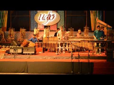 Arumba (Alunan Rumpun Bambu)