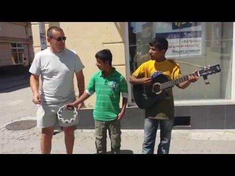 Цыганские мальчики поют песню Стаса Михайлова - Всё для тебя