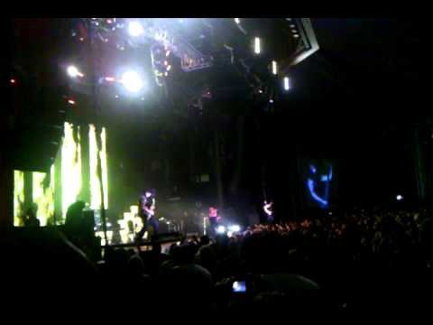 Disturbed / Inside the Fire / Stricken @ Rockstar Energy Uproar show Houston Tx 9/12/10