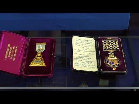 شاهد: مجوهرات ماسونية في معرض فريد بالعاصمة لندن  - نشر قبل 17 دقيقة