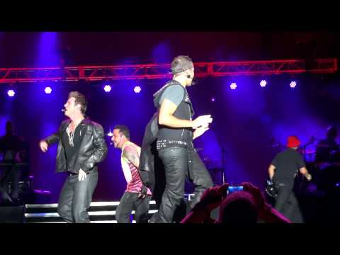 Backstreet Boys - Get Down feat. Donnie Wahlberg (LMFAO Party Rock Shuffle) MixTape Fest Hershey HD