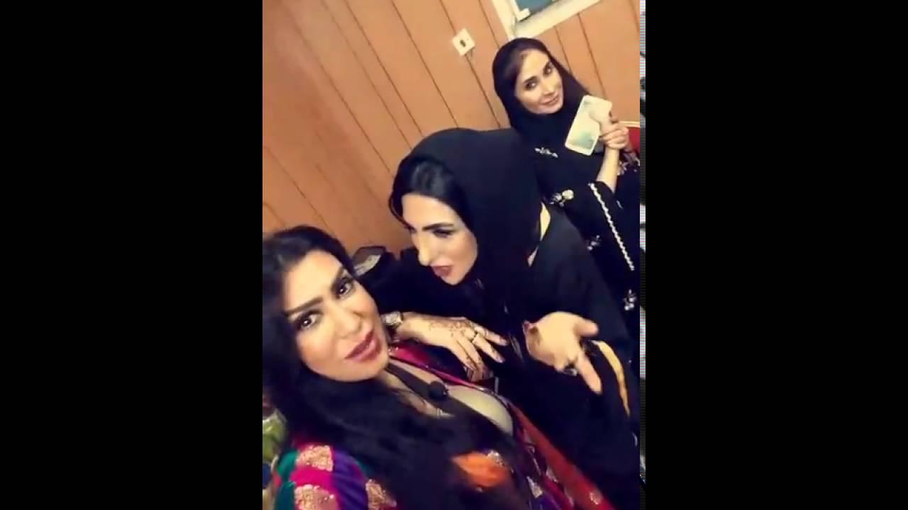 417c4d385 شاهدوا الفنانة المعتزلة زينب العسكري مع فاطمة عبدالرحيم ...   FunnyCat.TV